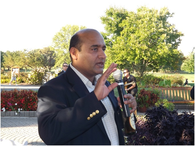 Dr. Nitin Kolhapure, the DuPont project leader for the NAE FOE Symposium, welcomes the participants to the DuPont Country Club, for an evening of entertainment, networking, and fun!